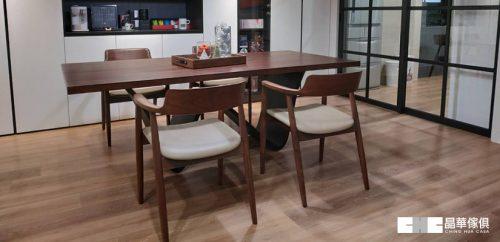台南店|黃先生|實木餐桌