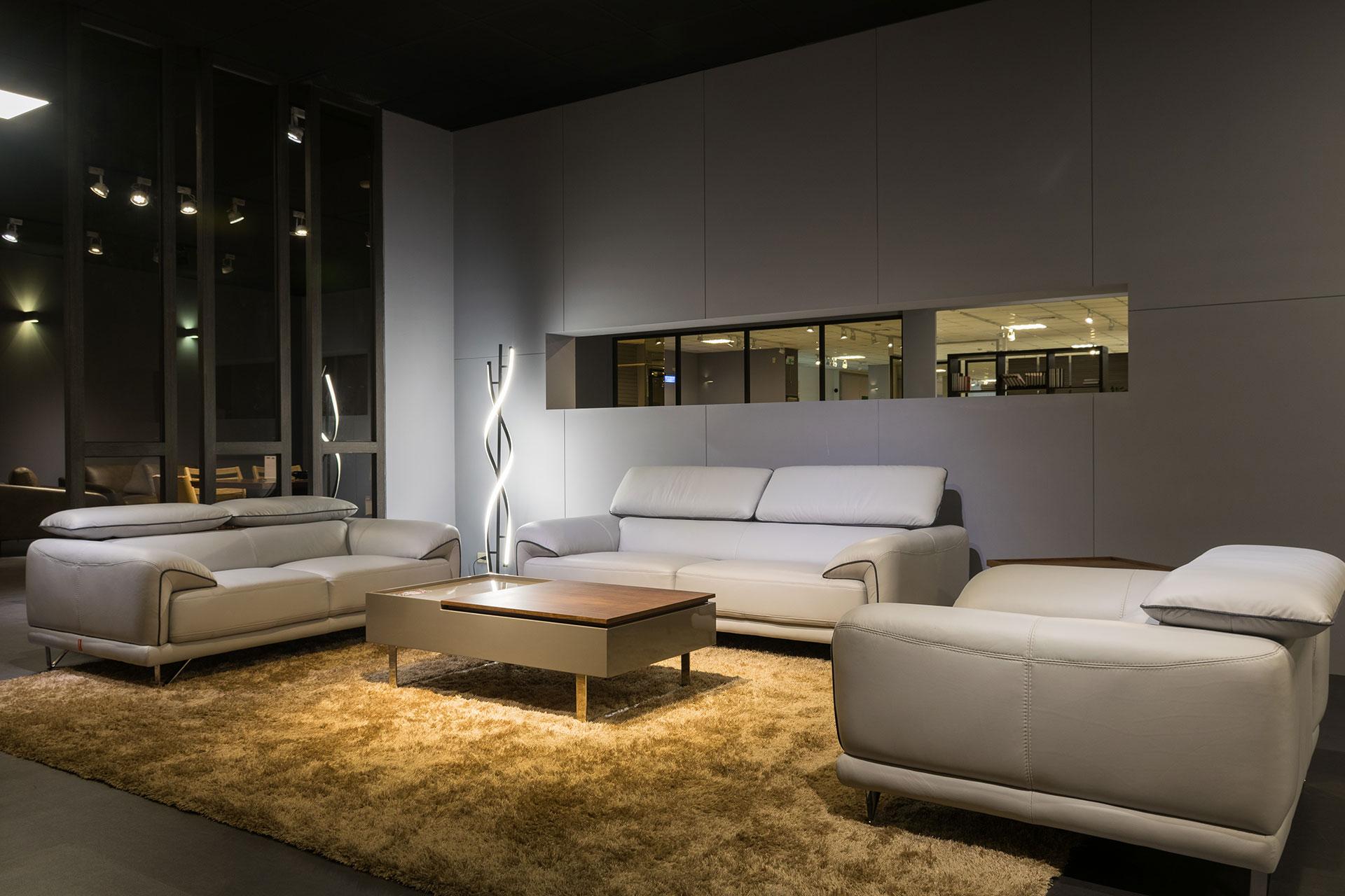 晶華傢俱台南店-沙發區